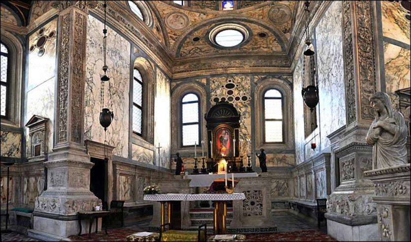 Санта Мария дель Мираколли резьба