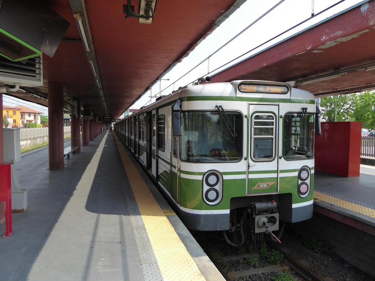 Милан метро М2