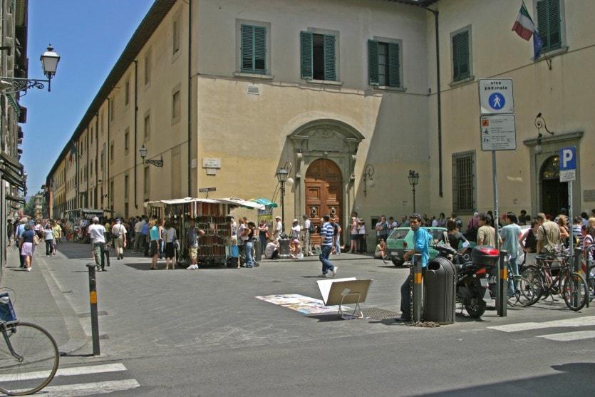 Галерея Академии изящных искусств во Флоренции - самый популярный музей страны
