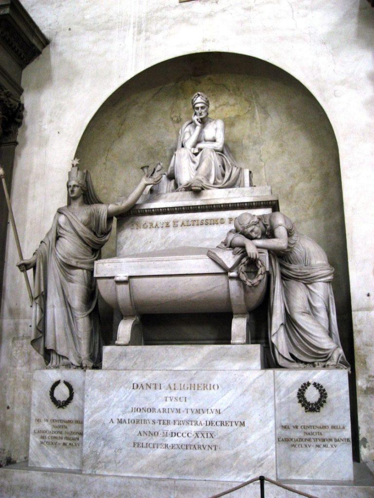 Церковь Санта-Кроче – самый большой францисканский храм и кладовая шедевров