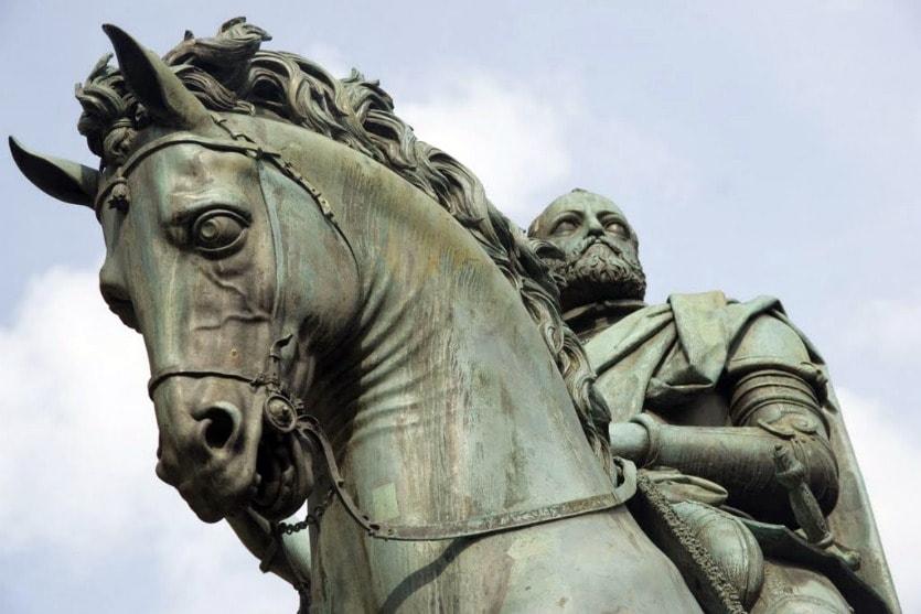 Конная статуя Казимо