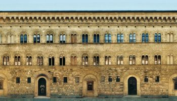 Дворец Медичи-Риккарди во Флоренции