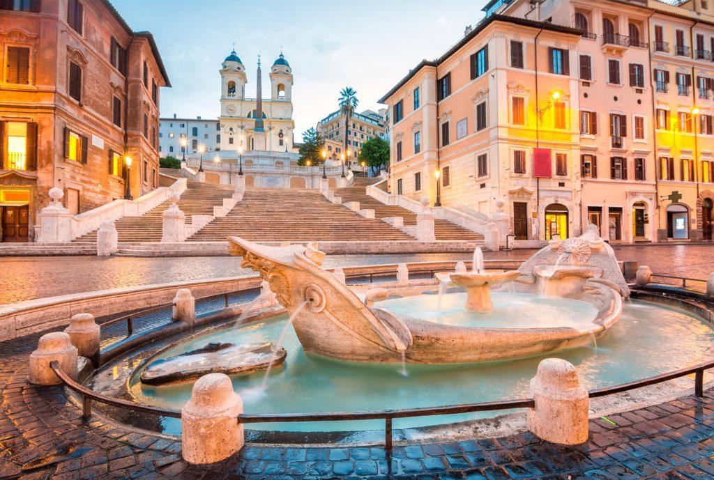 Испанская площадь в Риме - самое популярное место в городе